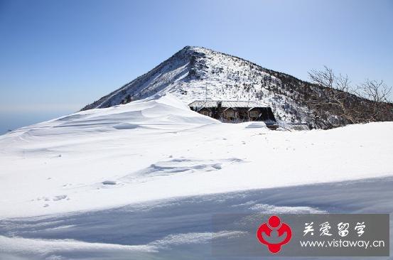 以前雪岳山也称为雪山或雪峰山