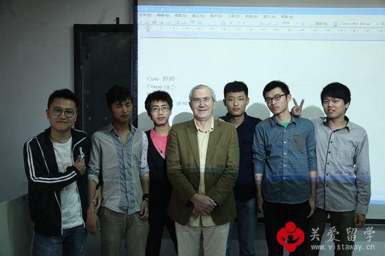 【照片更新】2013佛美教授马拉齐齐亲临青岛大学